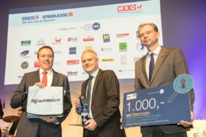 """Überreichung 1. Platz in der Kategorie """"Technologie"""" beim i2b Businessplan-Wettbewerb"""